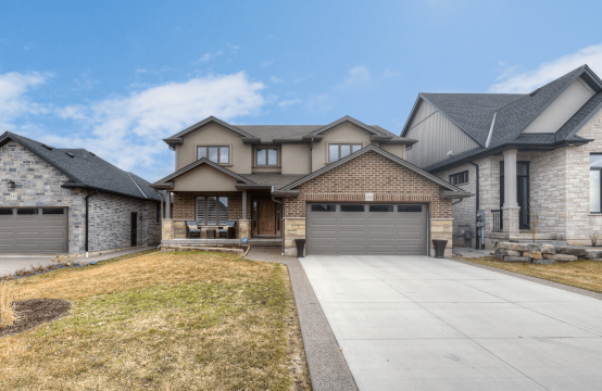 136 OTTAWA AVE, Woodstock, ON
